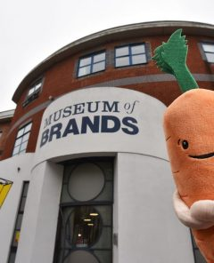 Kevin_the_carrot_Museum_of_Brands_70